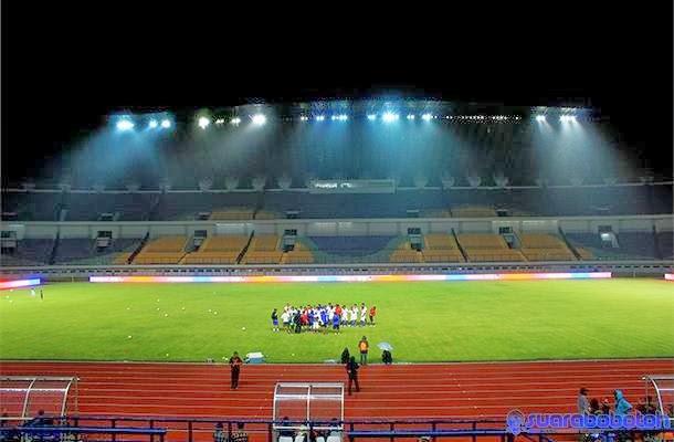 Stadion GBLA malam