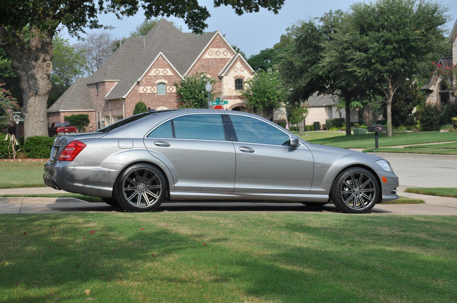 Mercedes benz w221 s550 on 20 vossen wheels benztuning for Mercedes benz custom rims