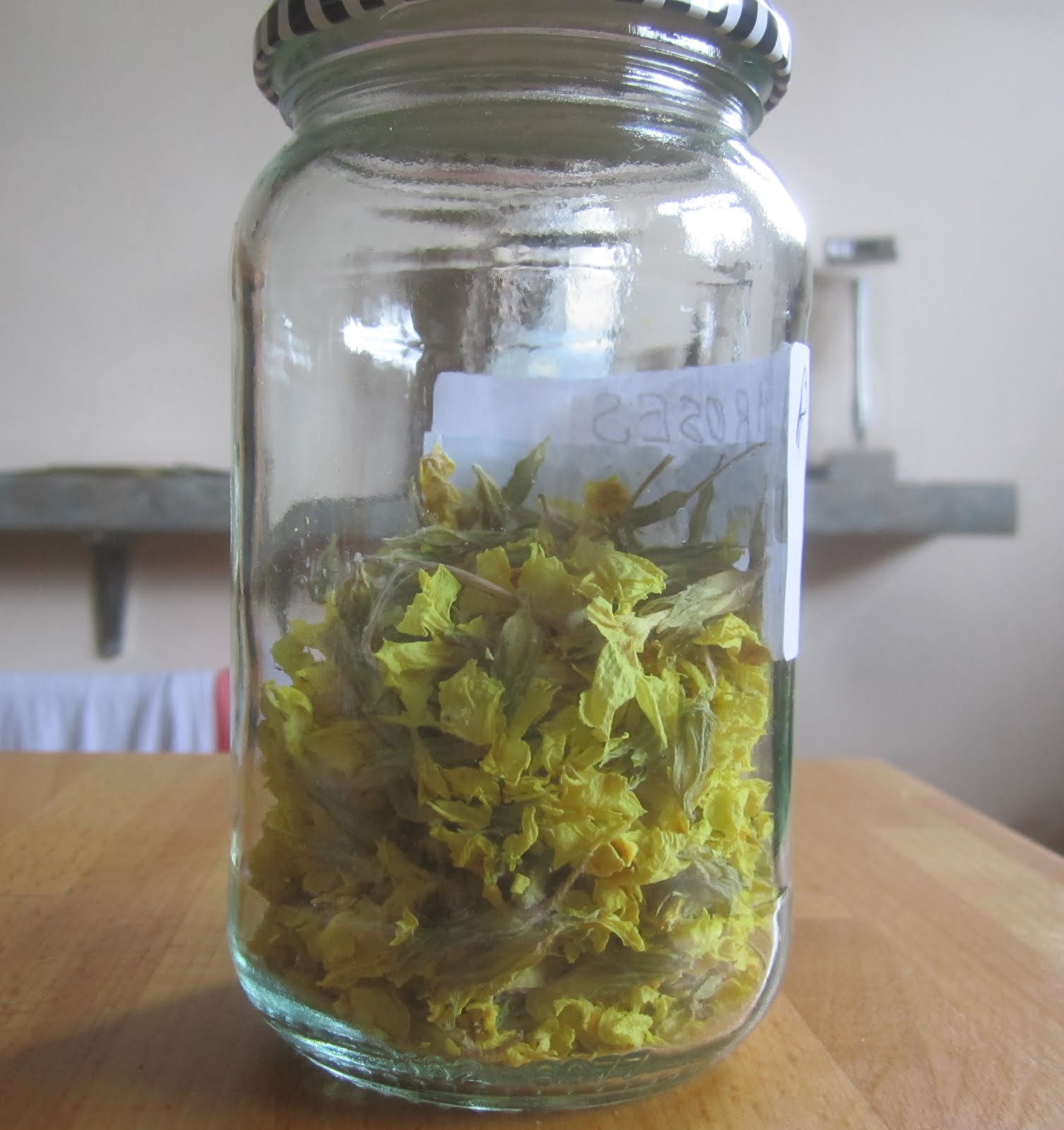 Dried primroses