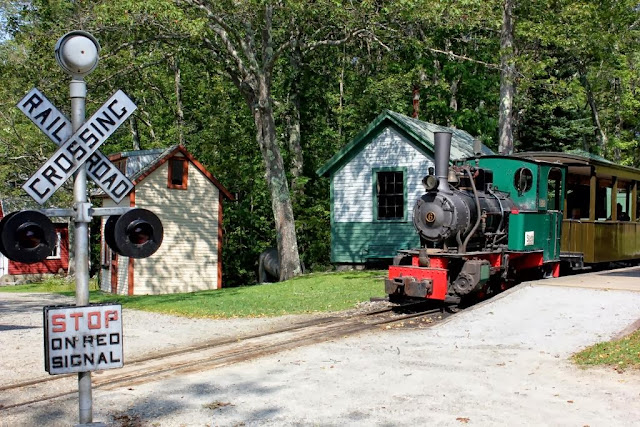 Boothbay Railway Museum train crossing