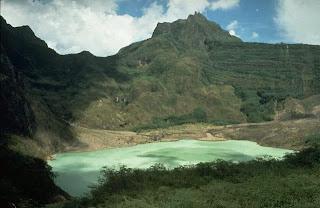 Gambar Gunung Kelud sebelum meletus