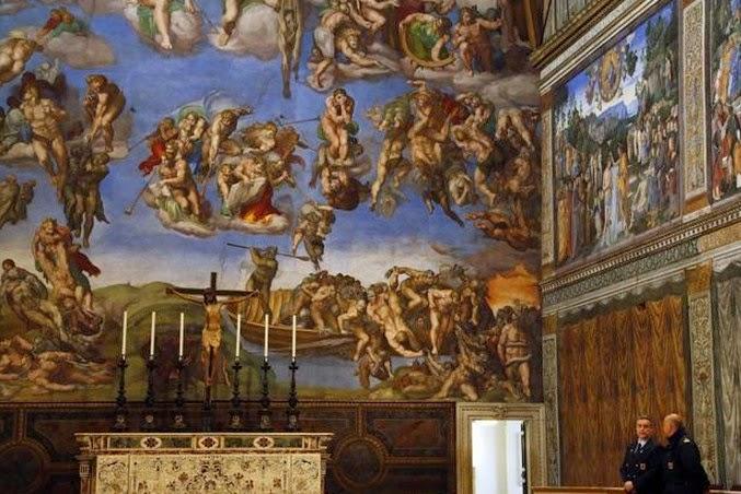 Banyak Patung dan lukisan berhala di Gereja Katolik Roma