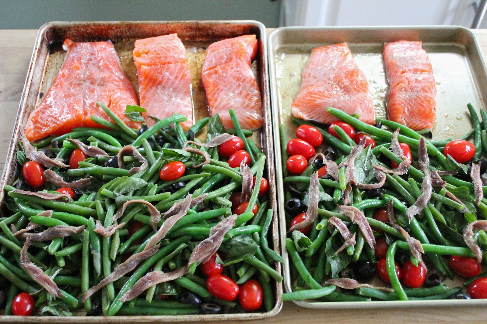 Jamie olivers tray baked salmon with veggies eat good 4 life jamie olivers tray baked salmon with veggies ccuart Image collections