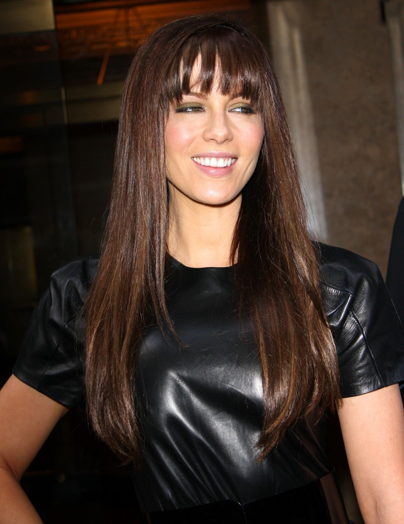 Hair Cuts Styles Long Straight Hair Is Easy To Comb