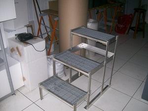 escada para mesa de veterinária