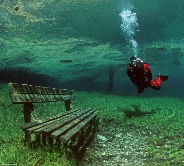 Lago Verde em Tragoess, Styria, Áustria