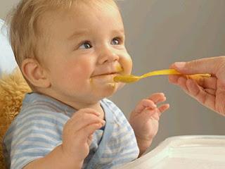 Fotos Bebes Comiendo, parte 1