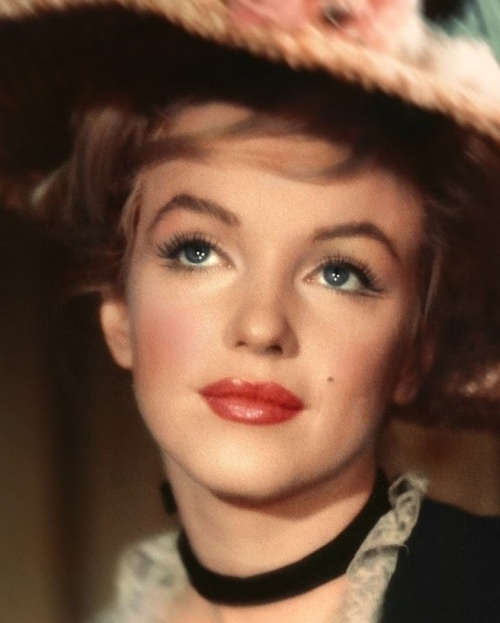 beautiful and lovely portrait of Marilyn Monroe
