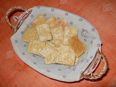 Galletas saladas de queso manchego y pesto.