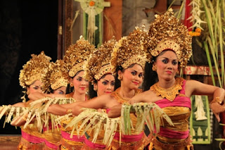 Tarian Tradisional Indonesia ~ I Love Indonesia