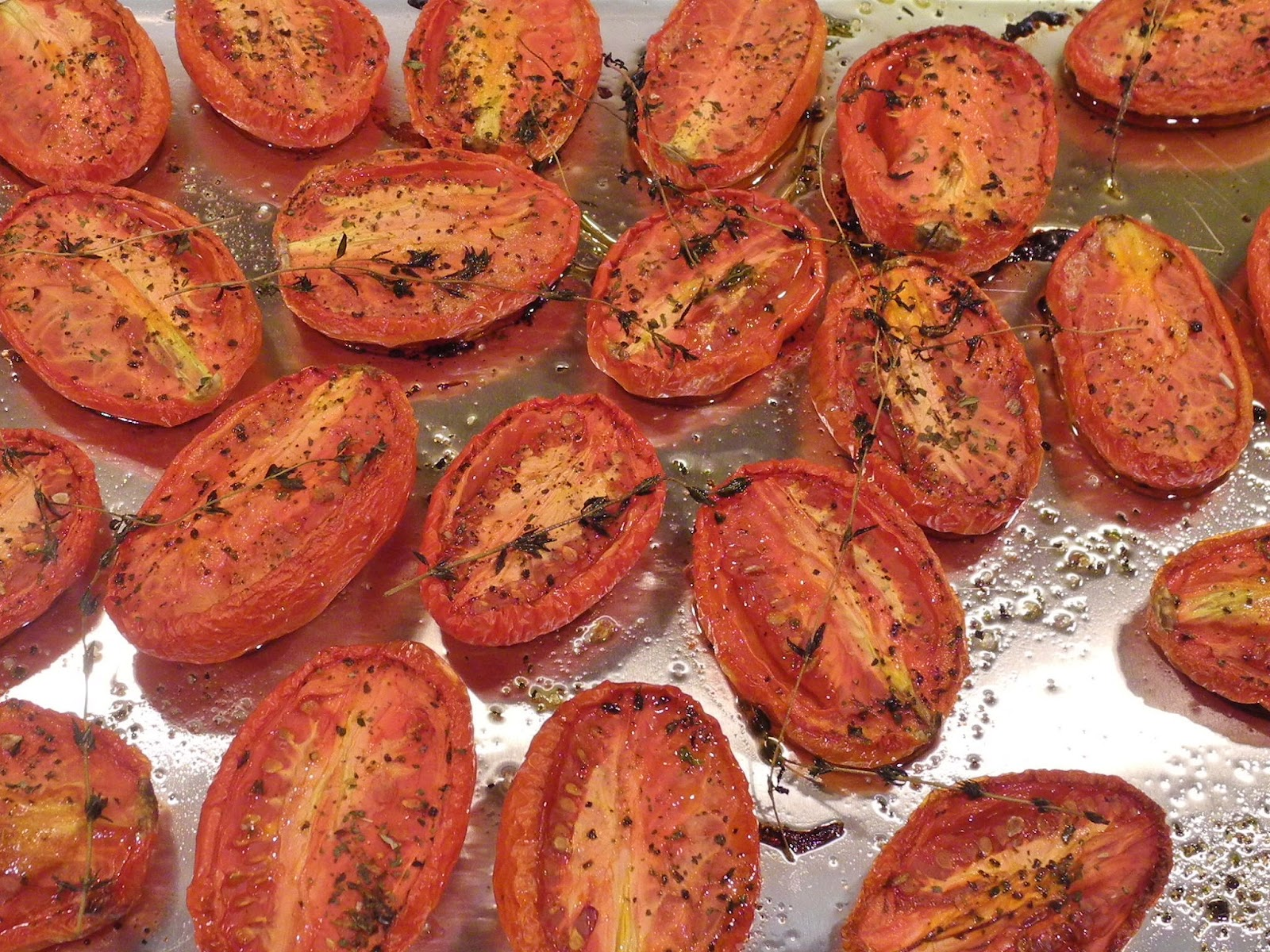 Delish Dish Cooks: Oven Roasted Tomatoes