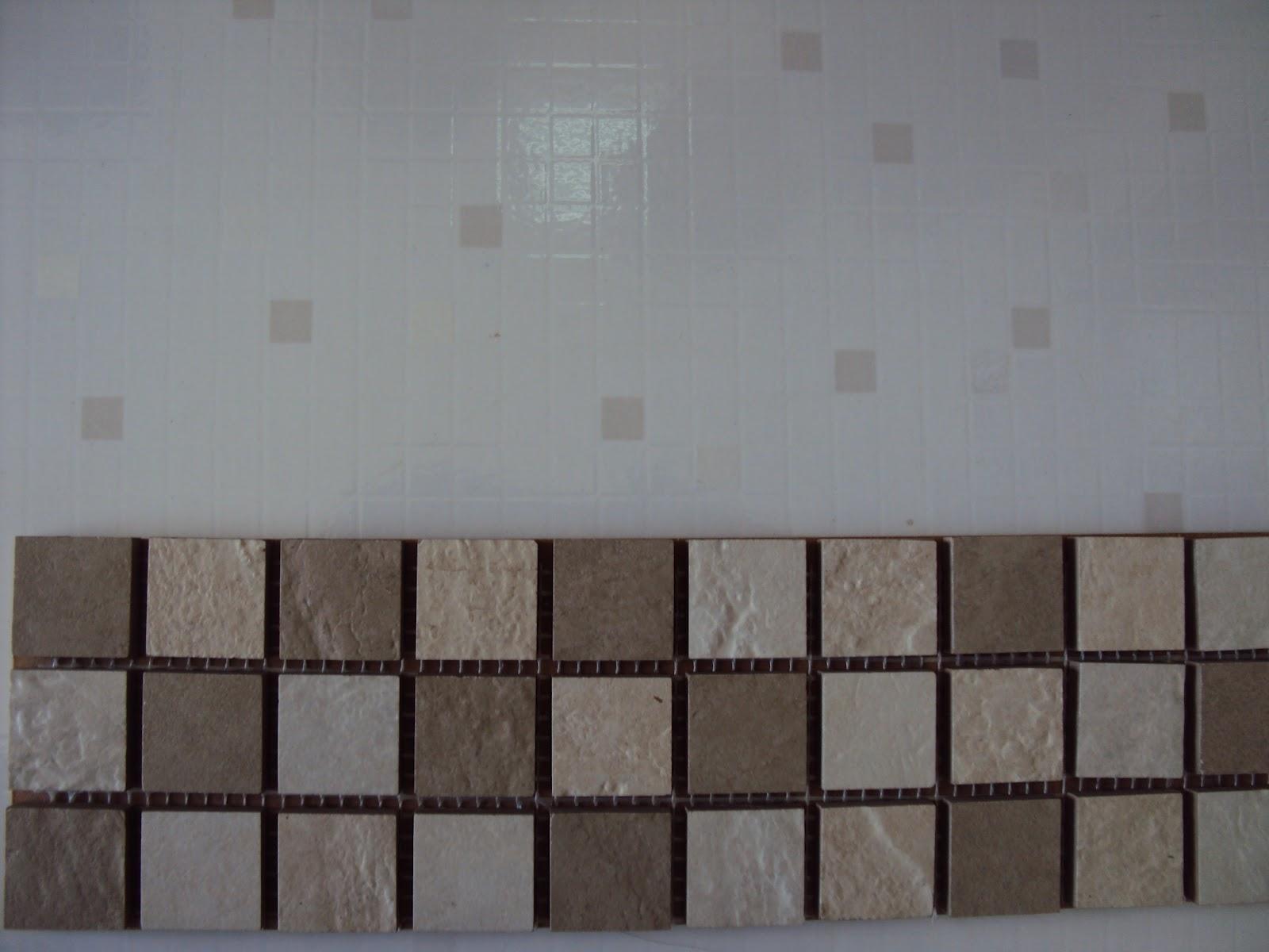 Revestimento do Banheiro e as pastilhas que serão postas em duas  #392F2C 1600x1200 Banheiro Com Pastilha Atras Do Vaso Sanitario