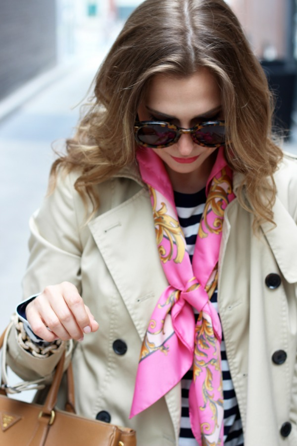 how to wear a silk scarf