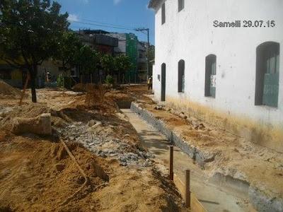 Aumentar as canaletas não vai resolver o problema no Largo de Sant`Anna
