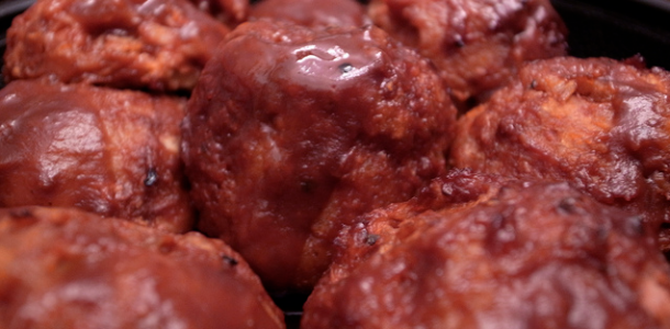 Slow Cooker Cranberry-BBQ Turkey Meatballs