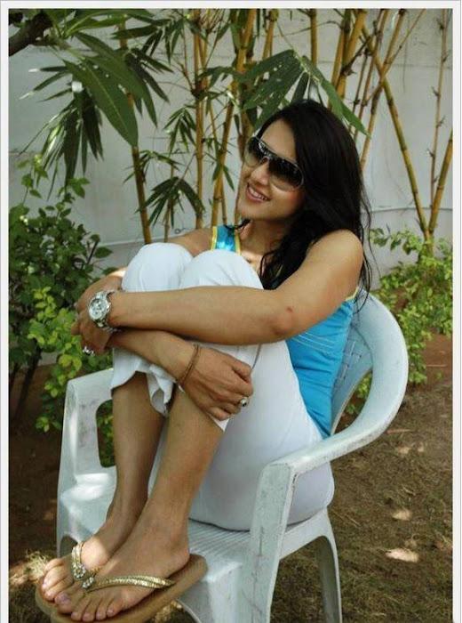 sakshi sivanand, sakshi sivanand stylish unseen pics