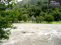 Indian occupied Keran. The boundary between India and Pakistan is the mid point of the River Neelam.