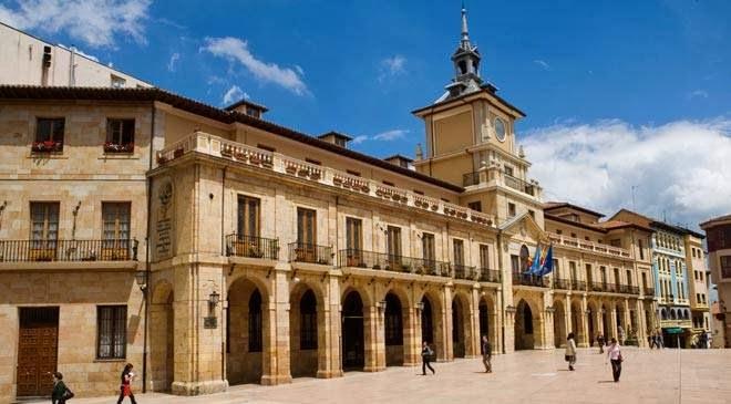 De turismo por Oviedo