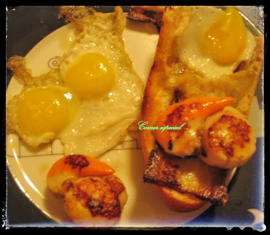 Tostas de Vieiras con Huevo de Codorniz y Calabacín