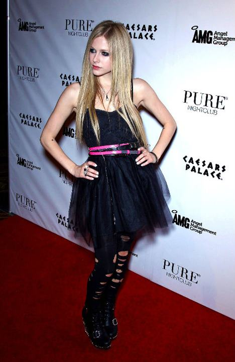 Yajeeb Photography News Avril Lavigne Punk Rock Fashion Designer