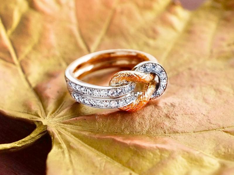 縄結びをイメージしてリメイクされたダイヤモンドリング
