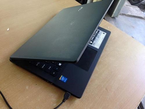 Acer%2BES1-411-P43Q%2B2.jpg