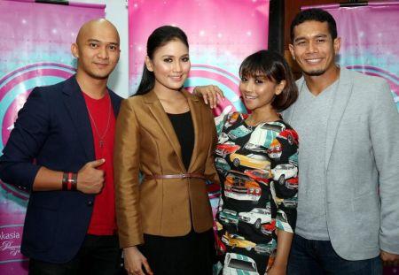 Afique Hussain Bersama Para Pelakon Drama Seindah Sakura