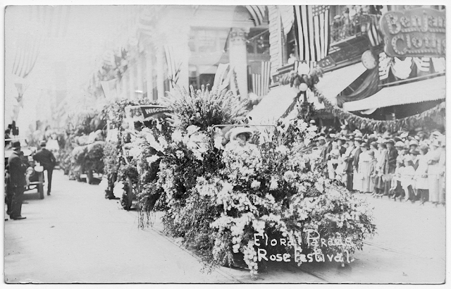 Floral Parade - Vintage Portland Postcard - The Cedar Chest blog