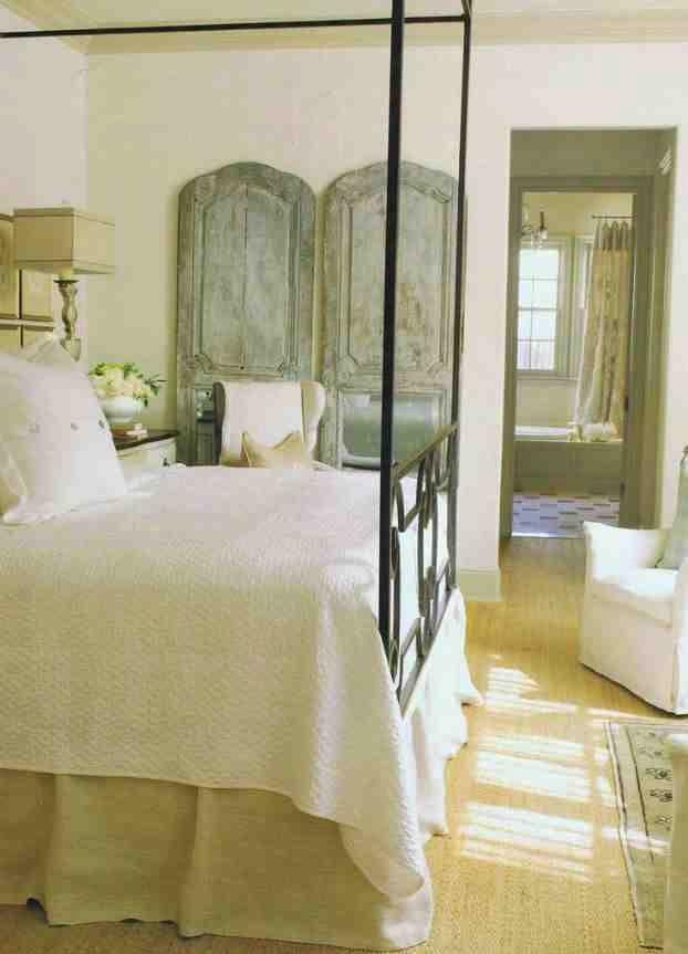 Drwi vintage jako dekoracja sypialni