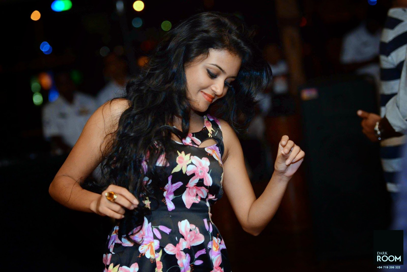 Dinakshie Priyasad enjoy