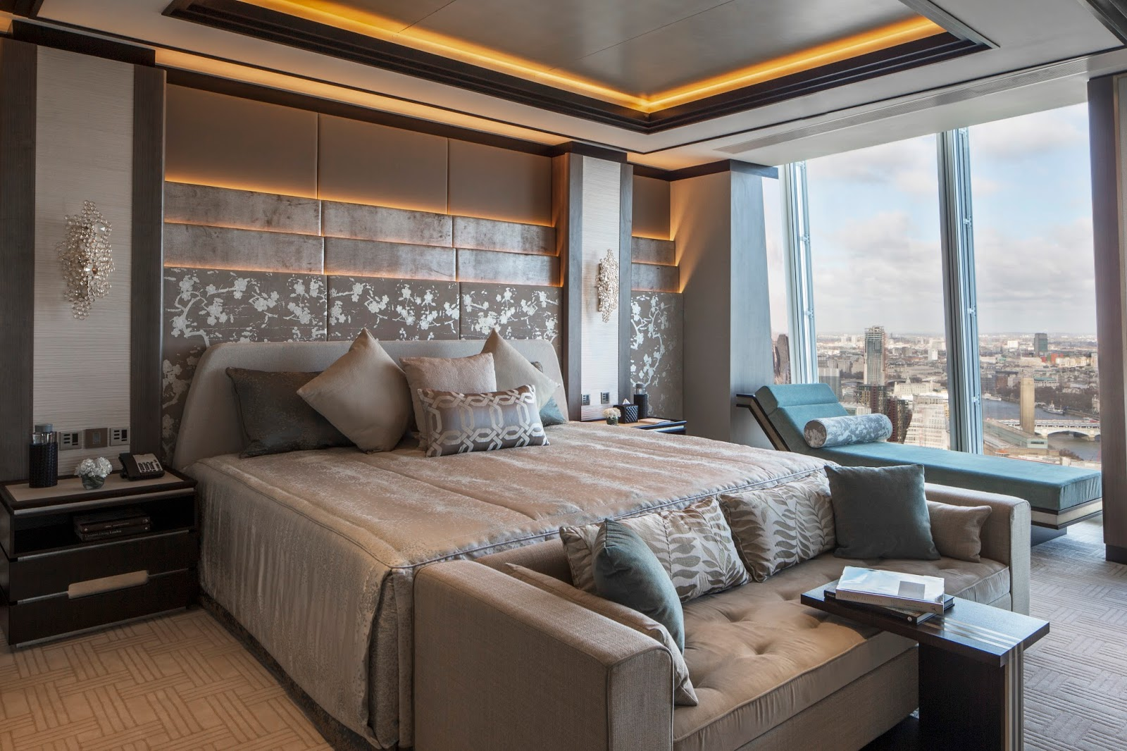Kee hua chee live shangri la london at the shard offers for Top 10 luxury hotels london