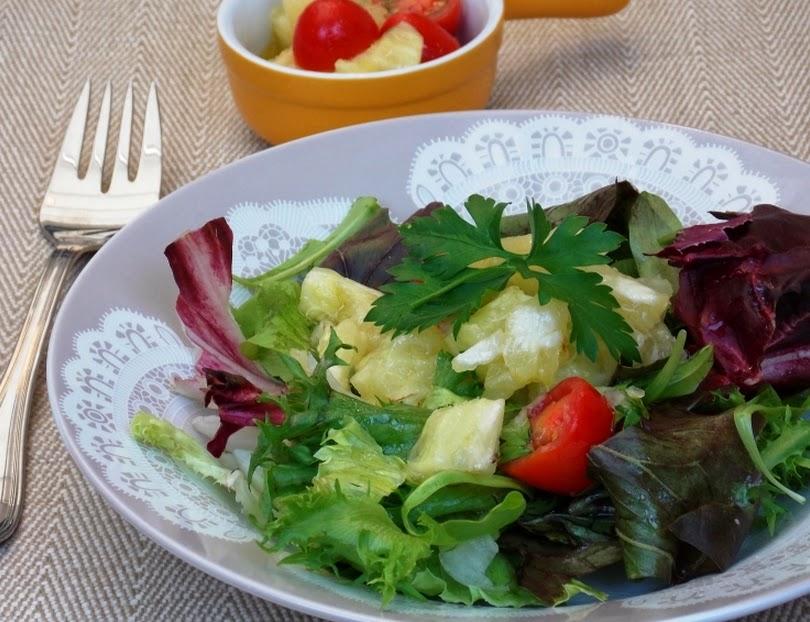 Salada de Folhas ao Vinagrete de Abacaxi (vegana)