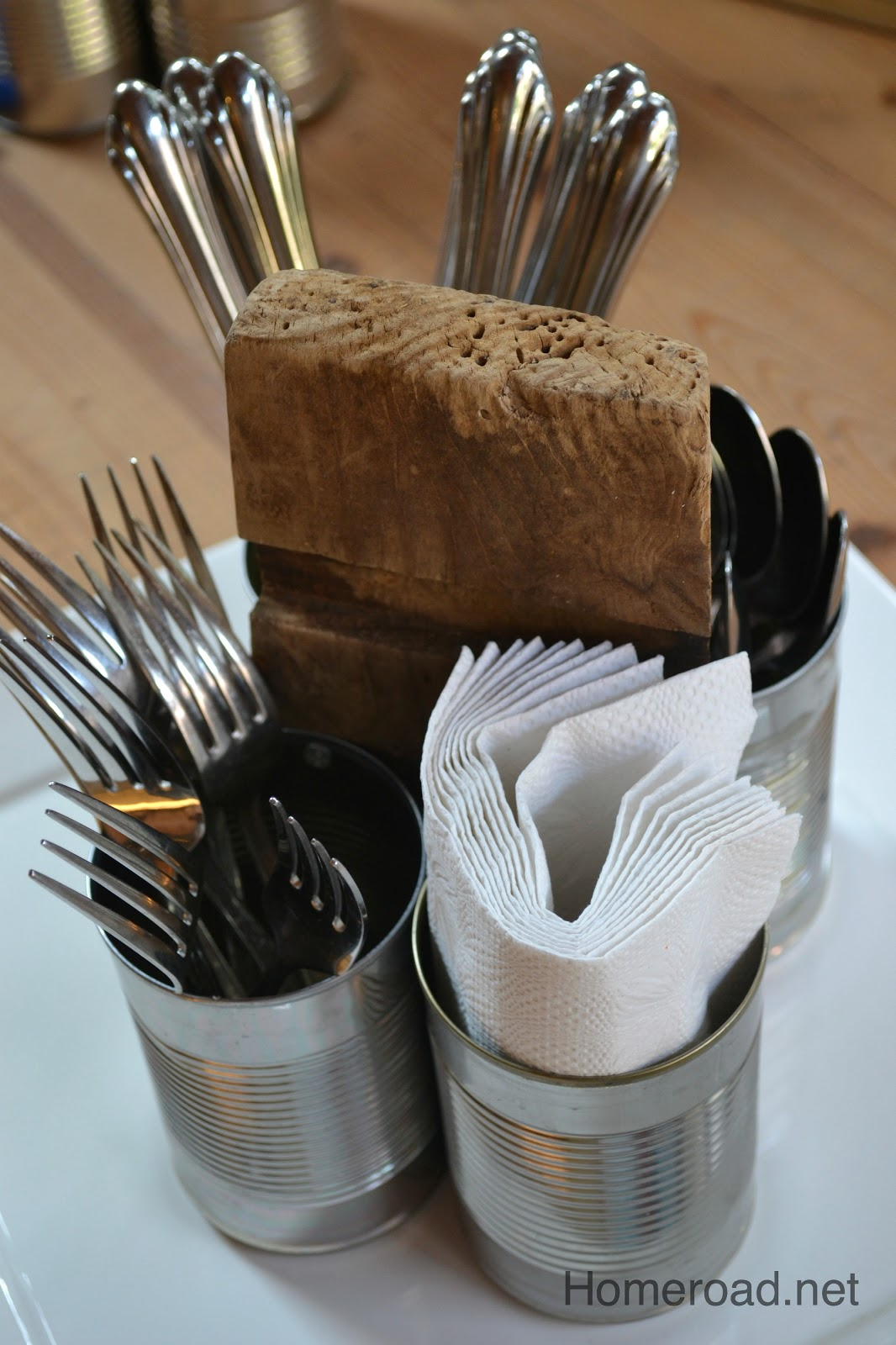 Rustic recycled tin can organizer homeroad for Tin cans for crafts