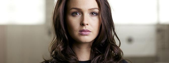Camilla Luddington, atriz do novo 'Tomb Raider', é ameaçada de morte - Lara Croft Daily ...