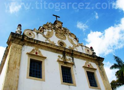 Fachada frontal da Igreja do Convento do Carmo, em São Cristóvão - Sergipe - Por Tito Garcez