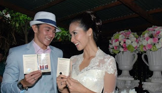 Foto-Foto Pernikahan Vino G Bastian dan Marsha Timothy