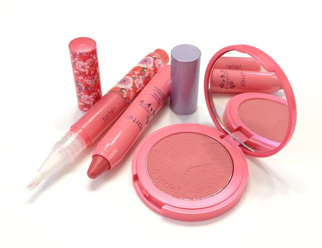 Maracuja Divine Shine Lip Gloss LipSurgence Lip Luster Amazonian Clay 12-hour Blush Achiote