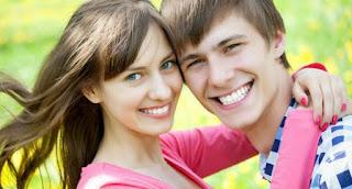 4 Hal Yang Bikin Pria Mudah Jatuh Cinta Pada Wanita