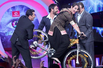 Sonakshi Sinha riding cycle on the set of big boss 6
