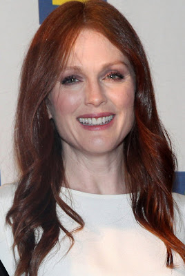 Julianne Moore to play Sarah Palin