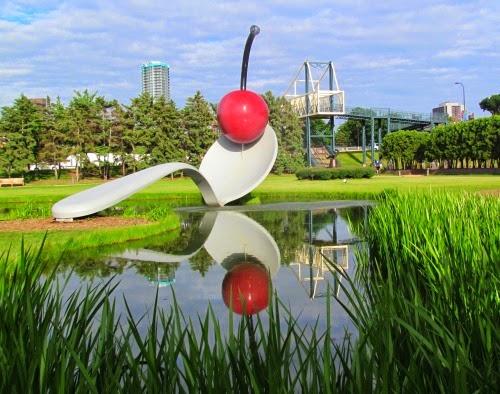 De paso por jard n de las esculturas minneapolis usa - Esculturas para jardines ...