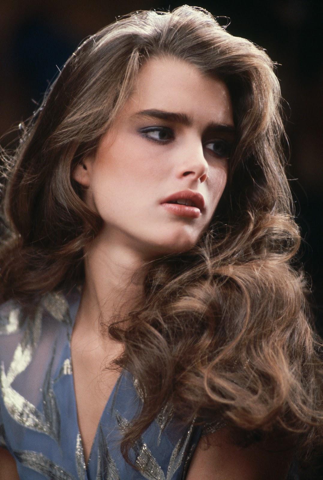 http://1.bp.blogspot.com/-xLvXtO1iUe4/UAQazy0GH9I/AAAAAAAAEFM/WU-C273_N9s/s1600/983ba_celebrity_city_Brooke_Shields_5.jpg