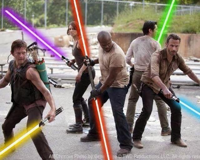 Protagonistas de The Walking Dead con sables láser.
