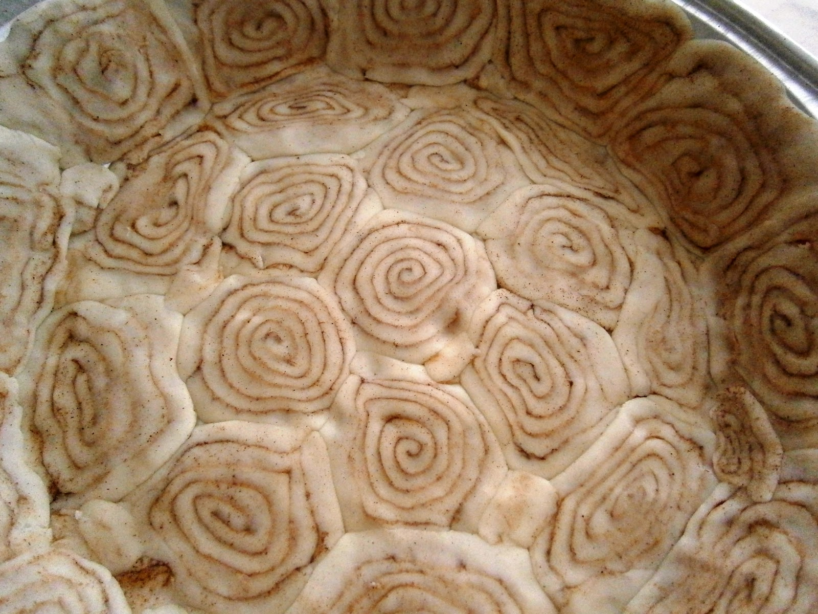 SucreSuKo: Cinnamon Roll Crust Sweet Potato Pie