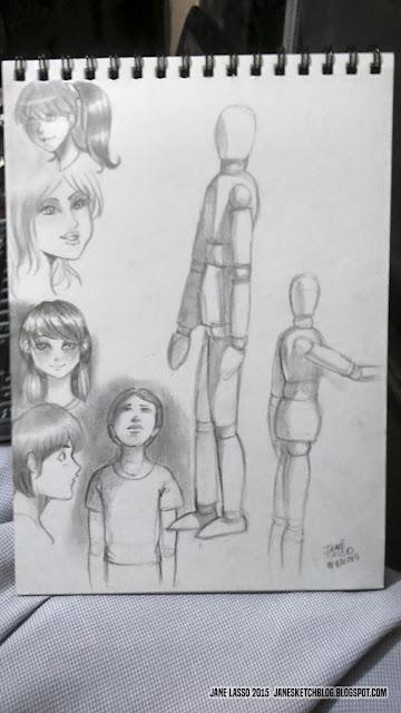 Dibujos a lápiz con maniqui de madera