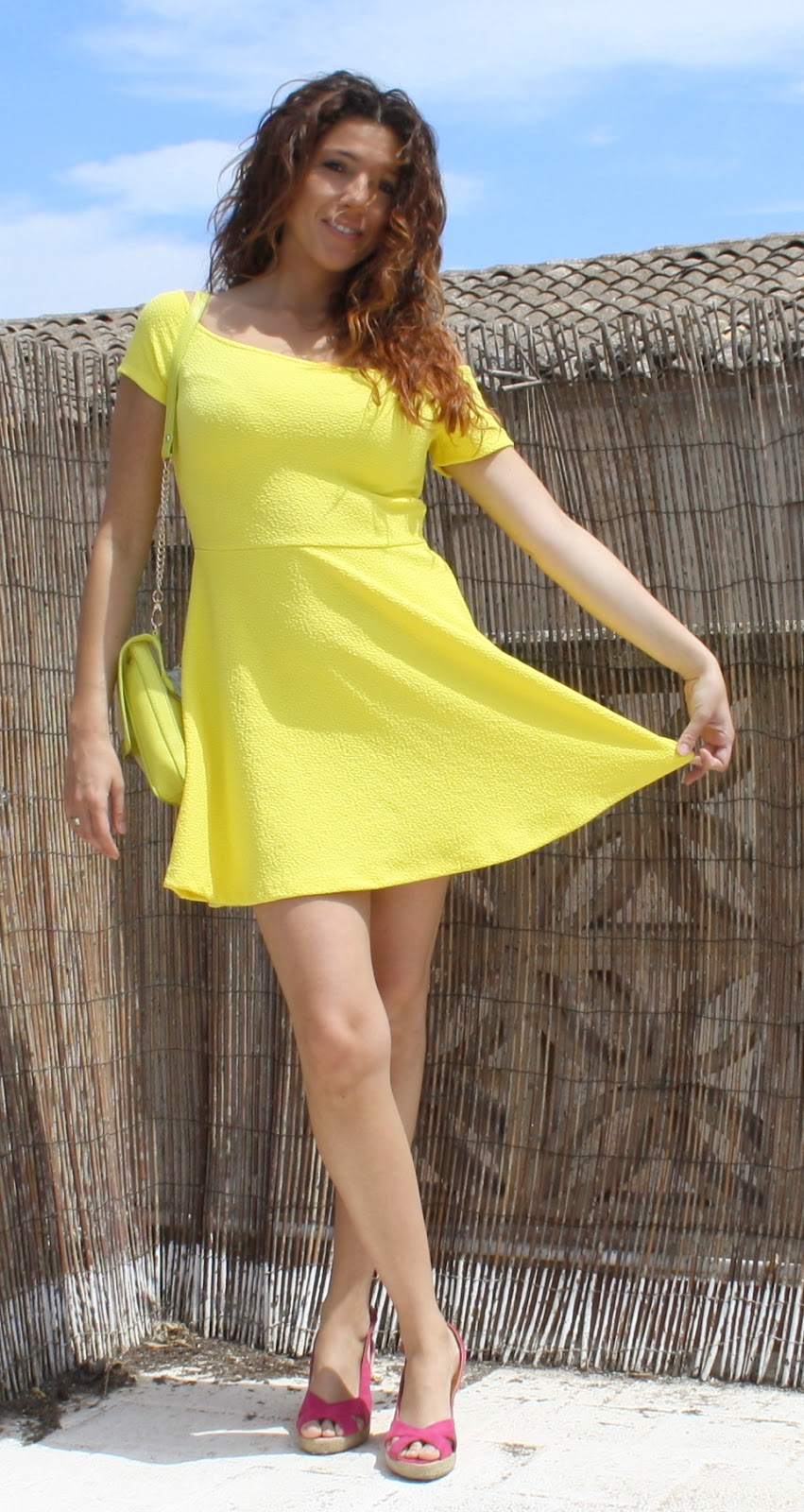 vestido amarillo chillon