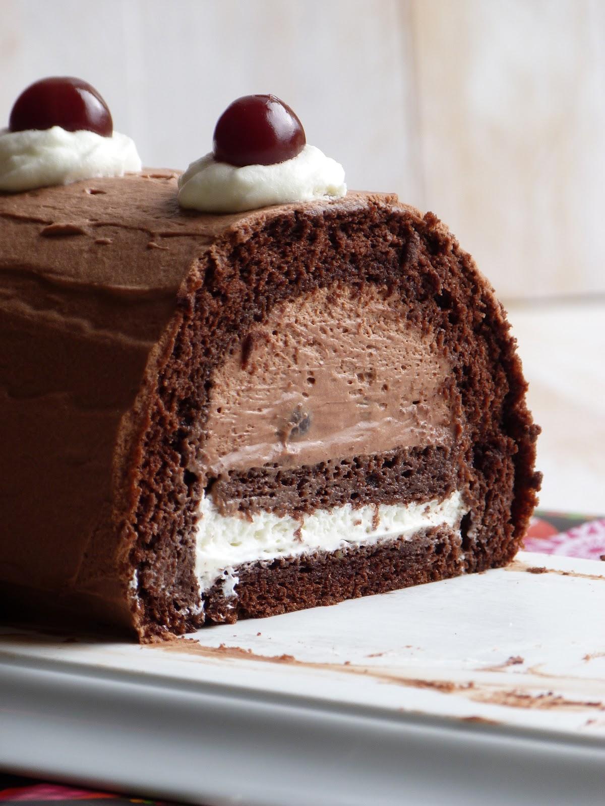 Chic chic chocolat b che de la for t noire pour no l - Petit plat en equilibre buche de noel ...