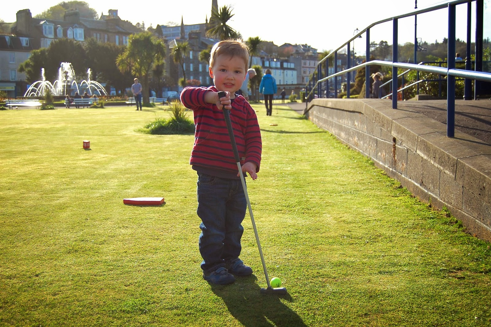 Golfing on Rothesay's promenade