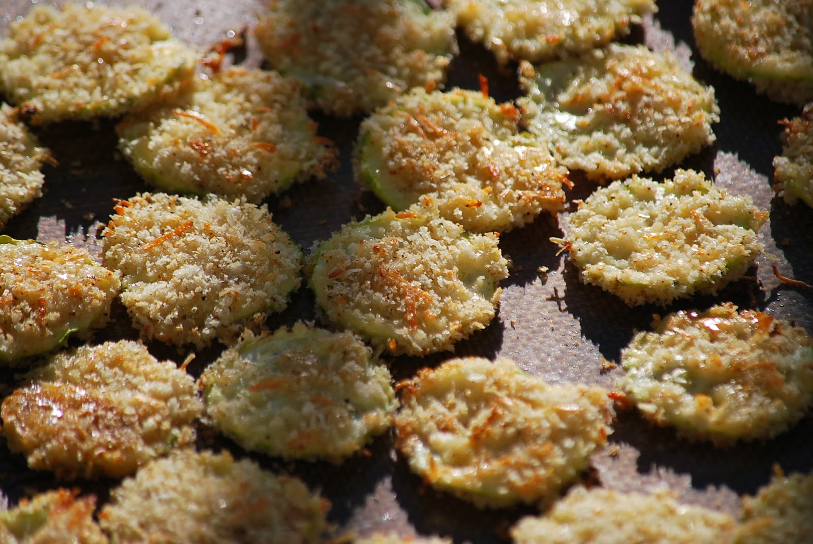 Zucchini+Chips+-+Baked+3.JPG