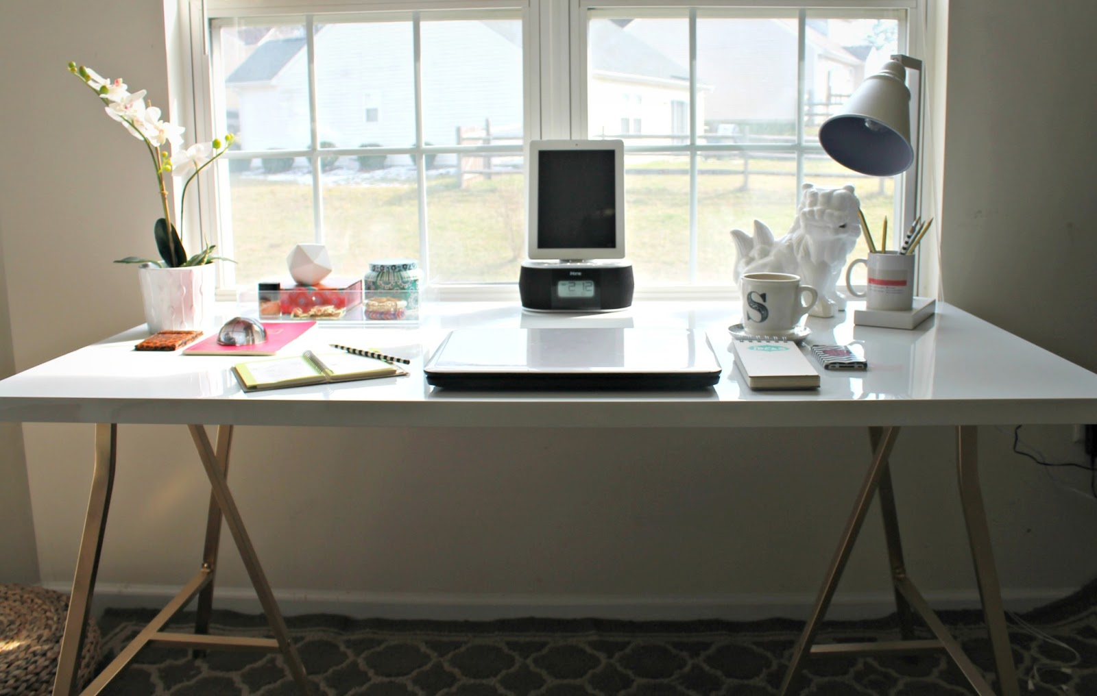 Burlap and Lace: Ikea Hack / My Office Desk